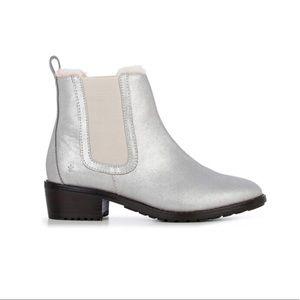 NWT EMU Ellin Merino Wool Boot Ladies in Metallic Leather Upper Size 6 Silver